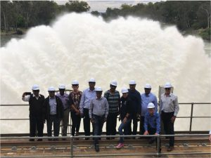 Delegates on the Hume Dam on the Murray-Darling River.