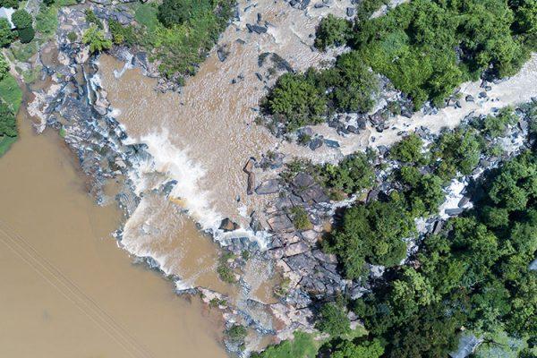 Poi waterfall in Phitsanulok province, Thailand (Photo: kwanchaichaiudom)