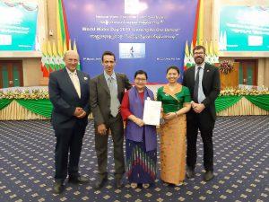 L-R: David Dreverman (MDBA), Tira Foran (CSIRO), Prof Dr Khin Ni Ni Thein (NWRC), Aye Myat Mon Kyaw (Batch 1 Myanmar YWP), Rory Hunter (AWP) – launching the BESS Report during Myanmar World Water Day, Nay Pyi Taw, 5 March 2019.