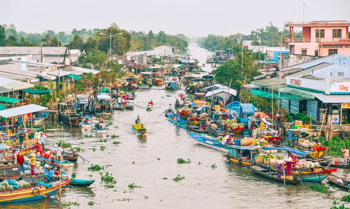 Nga Nam Floating Market in Mekong Delta, Vietnam (Credit: Adobe Stock/Phuong)